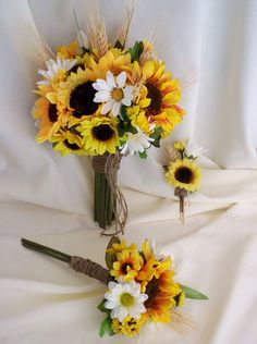 Sunflower bouquet, gorgeous for a spring wedding