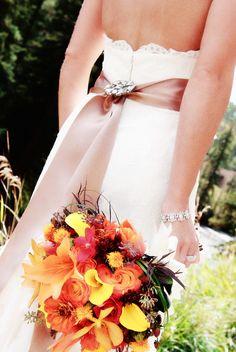 Fall Wedding Flowers Bouquet | Vail Colorado Mountaintop Wedding | Lodge at Vail Wedding | Autumn Wedding Bouquet | Kristen Sloan Photography | Mountain Wedding |