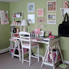 Scrapbook Room-Put things on the wall for inspiration