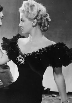 As long as i know how to love i will stay alive Vintage Glamour, Vintage Beauty, Classic Hollywood, Old Hollywood, Star Wars, Lana Turner, Actrices Hollywood, Blonde Women, Grow Out
