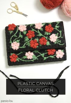 DIY: plastic canvas floral clutch