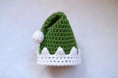 When you're looking for crochet hats to find even the smallest of baby heads, this Adorably Elfish Preemie Hat should be first on your list. Perfect for the newest member of the family, this crochet preemie hat is perfect for wintertime.