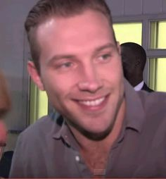 Jai Courtney <3 stuff him and his beautiful face!!!