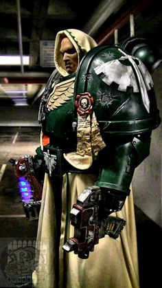 cosplay-gamers:  Warhammer 40k Dark Angel Space Marine Cosplay by Dezelith @ DeviantArt