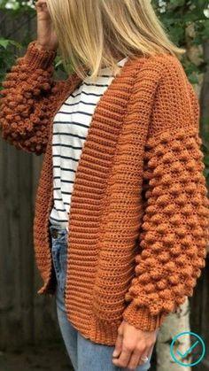 Cardigan En Maille, Crochet Cardigan Pattern, Crochet Jacket, Crochet Patterns, Sewing Patterns, Pull Crochet, Knit Crochet, Crochet Sweaters, Chunky Crochet