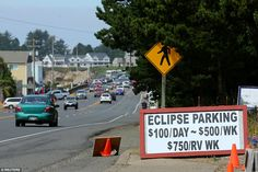 Twilight will fall at midday on Monday as millions of Americans witness the first total solar eclipse to traverse the United States from coast to coast in 99 years. Eclipse Festival, Cosmos, Eclipse Totale, Moon Shadow, Southern Illinois, Total Eclipse, Grand Teton National Park, Once In A Lifetime, 100th Day