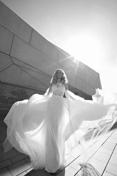 DESIGNER SPOTLIGHT: GALIA LAHAV COUTURE for the beach