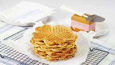 Grove Vafler - Oppskrift fra TINE Kjøkken Frisk, Good Food, Fun Food, Brunch, Favorite Recipes, Baking, Breakfast, Desserts, Cakes