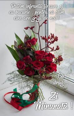 God Loves Me, Christmas Wreaths, My Love, Holiday Decor, Beauty, Rome, Beauty Illustration
