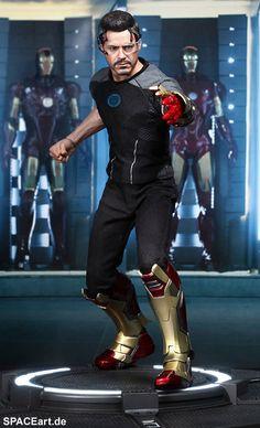 Iron Man 3: Tony Stark - Deluxe Figur http://spaceart.de/produkte/irm014.php