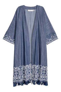 Kimono ricamato: Ampio kimono in tessuto di cotone con sezioni ricamate e…