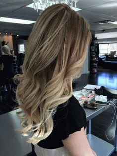 Hair Styles 2018 Balayage Discovred by : Style Estate Blonde Ombre, Blonde Hair, Blonde Highlights, Wavy Hair, Hair Doctor, Hair Color And Cut, Hair Colour, Great Hair, Gorgeous Hair