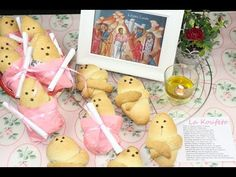 Gift Wrapping, Easter, Sweets, Christmas Ornaments, Holiday Decor, Cake, Gifts, Food, Biscuits