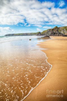 ✯ Stunning Beach and Rocky Coastline