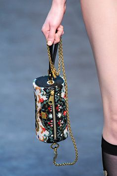 Коллекция Dolce Gabbana осень - зима 2012-2013 - Ярмарка Мастеров - ручная работа, handmade Denim Bags From Jeans, Women Accessories, Fashion Accessories, Jewelry Accessories, Potli Bags, Bags Travel, Ankle Jewelry, Barrel Bag, Embroidery Bags