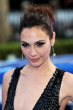 Beautiful Hairstyles From Gal Gadot, Copy Her Style