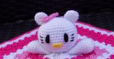 Patroon Hello Kitty knuffeldoekje           Je begint met het haken van een vierkantje/granny square.   Een patroon van een granny square... Crochet Diagram, Hand Warmers, Minions, Hello Kitty, Snoopy, Pattern, Baby, Character, Amigurumi