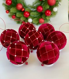 1 million+ Stunning Free Images to Use Anywhere Quilted Christmas Ornaments, Fabric Ornaments, Victorian Christmas, Diy Christmas Ornaments, Homemade Christmas, Christmas Projects, Christmas Tree Decorations, Christmas Wreaths, Christmas Crafts
