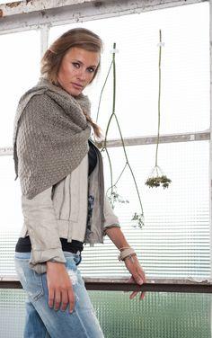 ♥ Sjaal om in te Wonen, klei-grijs / Zusss