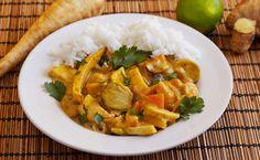 Deze curry zit boordevol wintergroenten. Bij de grote supermarkt zou je ze allemaal moeten vinden, zelfs de koolraap! De meeste groene currypasta is plantaardig, maar let er voor de zekerheid op dat de jouwe inderdaad geen vis bevat. De volgende merken zijn in elk geval ok: Fair Trade Original, Lidl, en de meeste biologische Thaise currypasta.