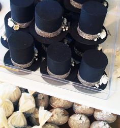 Top hats as party favours ~ L O V E  I T !!!
