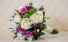 Download wallpapers wedding bouquet, 4k, white roses, purple roses, bridal bouquet, roses, wedding