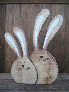 SÜßES, großes Hasenpaar 22,5cm Hase Osterhase Deko Ostern Shabby Landhaus - EUR 10,95. eBay auction template Großes Hasenpaar aus Holz mit langen Löffelohren Bezeichnung Oberdrolliges, großes Hasenpaar mit langen Löffelohren aus Holz - ein bißchen grober gearbeitet (kein glattes Holz - auch mal mit Kerben). Das gibt dem Paar aber das besondere Etwas - denn jedes Stück ist ein Unikat aufgrund der Farbgebung und der Holzstruktur. Es können auch mal Klebereste vorhanden sein, da das Paar…