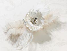 Shabby & Chic Garter - Cream - The Wedding Faire