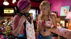 Rumer Willis stars as Joanne and Anna Faris stars as Shelley Darlingson in Columbia Pictures' The House Bunny - Movie still no 31 House Bunny Movie, The House Bunny, Playboy, Awkward Girl, Rumer Willis, Anna Faris, Bunny Outfit, Bunny Costume, Fashion Capsule