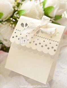 Sweet Scalloped Favor Box In Ivory (Set of 12) - USD $ 4.99