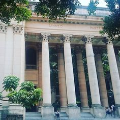 Universidad de la Habana. There are worse places to be on research! #uongoingplaces #habana #Cuba #researchvisit by izzochka