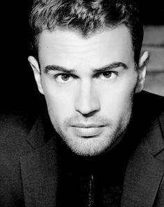 Theo James for Hugo boss. New James Bond, James 3, James Franco, Divergent Theo James, Divergent Series, Hugo Boss Perfume, Bae, Hollywood, Shailene Woodley