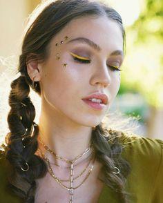 Duygu Ozaslan Coachella Makeup