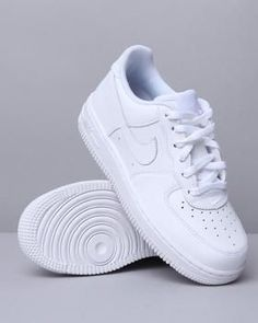 nike force 1 - the classic white on white