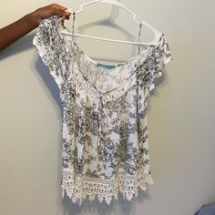Lacey gypsy top Super sweet off /on the shoulder loose laced trim top . Worn only once. Tops Crop Tops
