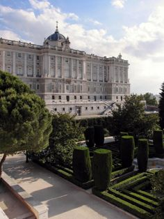 Palacio Real, desde los Jardines de Sabatini, Madrid, Spain