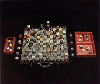 Pan Ajedrez, juego inventado por Xul Solar que combina realidad, invención del lenguage, arte, etc.