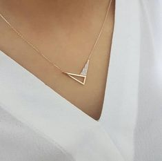 Gold V Necklace Available in Gold, White Gold or Rose Gold Jewelry Design Earrings, Gold Earrings Designs, Ear Jewelry, Necklace Designs, Fancy Jewellery, Gold Jewellery Design, Gold Jewelry Simple, Stylish Jewelry, Fashion Necklace