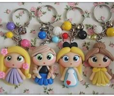 Polymer Clay Disney, Cute Polymer Clay, Polymer Clay Crafts, Felt Crafts, Clay Keychain, Hat Patterns To Sew, Clay Design, Pasta Flexible, Kids Jewelry