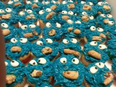 Cookie Monster cup cakes Monster Cup, Cookie Monster, Cup Cakes, Beans, Cookies, Vegetables, Food, Crack Crackers, Petit Fours