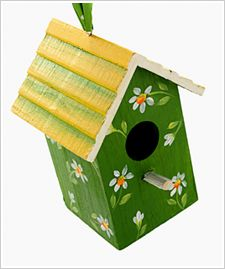 Daisy Wood Birdhouse painted by Chris Williams with FolkArt Acrylics