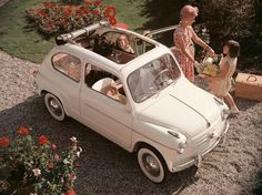 Back in the Fiat 600 was introduced at the Geneva Motor Show. The idea was simple. It was necessary to construct a car that could be bought by the Fiat 600, Vintage Motorcycles, Cars And Motorcycles, Mode Vintage, Vintage Cars, Vintage Stuff, Vintage Travel, Automobile, Fiat Cars