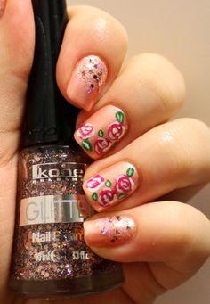 Goodly Nails: Maalattuja ruusuja