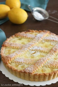 crost ata di ricotta al limone Italian Pastries, Italian Desserts, Just Desserts, Delicious Desserts, Sweet Recipes, Cake Recipes, Dessert Recipes, Ricotta Dessert, Blog Patisserie
