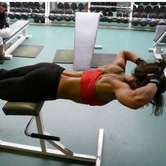 Strengthen your core muscles when your are working out at the gym!