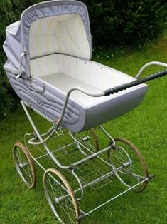 Vintage Pram, Baby Buggy, Baby Prams, Child Hood, Baby Carriage, Baby Strollers, Memories, Retro, Children