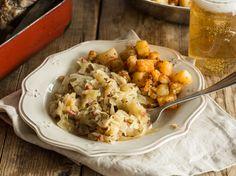 Bayrisch Kraut mit Speck und Bratkartoffeln