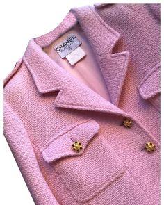 a26a91052d3 Chanel Pink Tweed Jacket Blazer Size 10 (M)