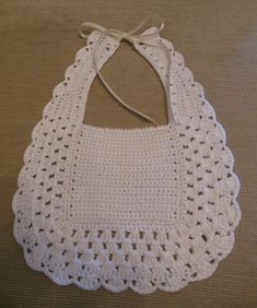 Crochet Baby Bibs, Crochet Baby Sandals, Crochet Potholders, Baby Blanket Crochet, Crochet Motif, Crochet For Kids, Baby Knitting, Crochet Patterns, Thread Crochet