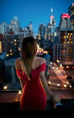 فستان أحمر،،، أحمر شفاه،،، عطر فاتن،،، كعب عالي،،، أغنية هادئة ...! ورقصة على ضوء القمر،، هذا ما أتمناه برفقتك هذا المساء حبيبتي ❤❤❤❤